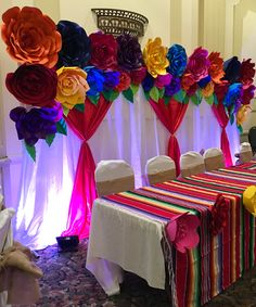 Instagram: craftsbybetty Backdrops, paper flowers, party ideas, giant paper flowers, PDF files, shipping available, Mexican fiesta, handmade