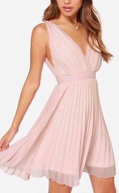 The Lady Artemis Pleated Peach Dress can amplify your angelic glow to the fullest! This pleated peach dress has a deep V bodice. Dresses Short, Short Bridesmaid Dresses, 15 Dresses, Homecoming Dresses, Cute Dresses, Casual Dresses, Fashion Dresses, Summer Dresses, Chiffon Dress