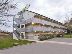 Chanas Hotel Campanile Chanas France, Europe Hotel Campanile Chanas is conveniently located in the popular Chanas area. Both business travelers and tourists can enjoy the hotel's facilities and services. Free Wi-Fi in all rooms, facilities for disabled guests, Wi-Fi in public areas, car park, meeting facilities are just some of the facilities on offer. Comfortable guestrooms ensure a good night's sleep with some rooms featuring facilities such as television LCD/plasma screen, ...