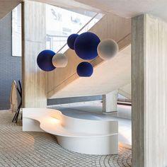 Lobby Interior, Interior Lighting, Modern Lighting, Lighting Design, Drawing Room Design, Reception Desk Design, Italian Furniture Brands, Public Space Design, Counter Design