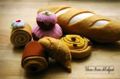 Cute little breads and pastries with tutorial.  I LOVE that croissant!