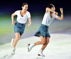 THE ICE2017 村上佳菜子さん(右)とともに滑りをみせる浅田真央さん (501×415) 「浅田真央さんアイスショーでファン魅了/写真特集」 https://www.nikkansports.com/sports/news/1864241.html