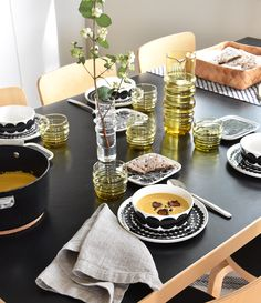 Kattaus / Table Setting. Marimekko, Oiva, fw16 Marimekko, Scandinavian Home, Table Settings, House Design, Dinner, Interior, Modern, Kitchen, Inspiration