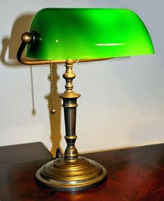 Antique desk lamp - One of the most important aspects of having a classy home is lighting and elegance. You can easily reach this with an antique desk lamp Antique Desk, Antique Lamps, Desk Light, Lamp Light, Home Design, Interior Design, Bankers Desk Lamp, Green Library, Green Desk