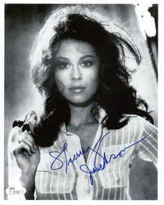 Sherry Jackson, the little girl on The Danny Thomas Show, grew up to be a beautiful sexy woman and still is in 2014.