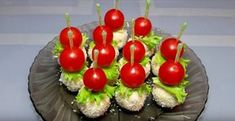 3 aperitive festive — incredibil de aspectuoase și fantastic de gustoase! - Retete Usoare Sushi, Cherry, Japanese, Cooking, Ethnic Recipes, Salads, Raffaello, Kitchen, Japanese Language