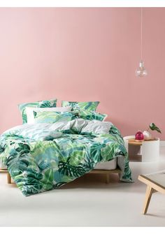 Tropical palm leaves are rendered in watercolour washes in this fresh, vibrant design. In pale shades of mint, sage and green, Martinique has a casual summer feel with its textural cotton/linen base. With a geometric, watercolour reverse printed on cotton percale, this stylish design can be accented with the 35x55cm and 50x50cm cushions and European pillowcase (sold separately). Set includes: duvet cover and two pillowcases.  KING