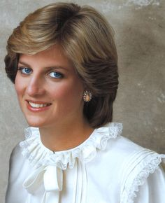 Young Diana in her trademark ruffled collar.