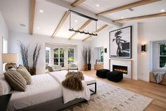 Inside Justin Bieber and Hailey Baldwin's New Home in Beverly Hills, California Hailey Baldwin, Celebrity Bedrooms, Celebrity Houses, Celebrity Moms, Celebrity Style, Justin Bieber House, Family Room, Home And Family, Star Family