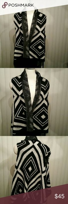 Sweater New one size black and white sweater vest Other