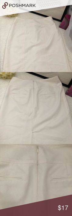 • White pencil skirt • • Worthington white pencil skirt • brand new • never worn • stretchy • any questions please feel free to ask • reasonable offers welcomed • Worthington Skirts Pencil