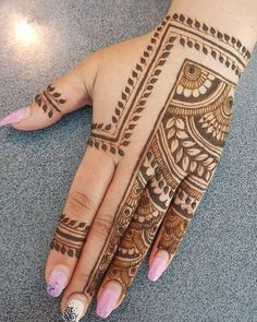 What is a Henna Tattoo? Henna tattoos are becoming very popular, but what precisely are they? Henna Hand Designs, Tribal Henna Designs, Mehndi Designs Finger, Mehndi Designs Feet, Mehndi Designs Book, Latest Bridal Mehndi Designs, Mehndi Designs For Girls, Legs Mehndi Design, Mehndi Designs For Fingers