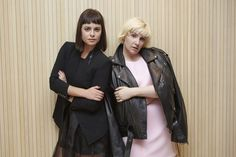 Lena Dunham is Wearing Nasty Gal Outfits Styled by Sophia Amoruso for Her 'Not That Kind of Girl' Book Tour Moda Instagram, Lena Dunham Book, Sophia Amoruso, Cute Fall Outfits, Book Girl, Celebrity Look, Affordable Clothes, Portrait, Nasty Gal