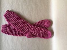 Children Wool Socks Handknitted Pink Wool by CelticKnittingCo Cute Presents, Wool Socks, Sock Yarn, Christmas Shopping, Warm And Cozy, Gifts For Friends, Fingerless Gloves, Arm Warmers, Hand Knitting