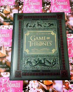 Today it is GoT Day. #gameofthrones #books #HBO #poemasdeorigami #livros #love #today #aleluia #origami #TV #series #got #poesia #Pink #Black #westeros #gotseason6