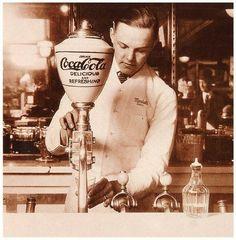 Cual es la marca mas famosa del mundo? Exacto, Coca-Cola. The Coca-Cola Company es una de las mas grandes compañías en el mundo, con presencia en mas de 200 países y un producto que lidera el mercado de las bebidas gaseosas en nuestro planeta. Claro esta, que no llego a ser la mas grande solo …