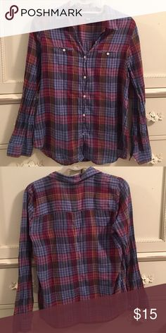 BDG Classic Fit Button-Down Plaid Boyfriend Shirt From Urban Outfitters - BDG button-down boyfriend style shirt with a feminine fit. Size medium. Urban Outfitters Tops Button Down Shirts