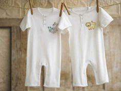 Ce poti cumpara second hand pentru bebe si ce e neaparat sa fie nou Organic Baby Clothes, Cute Baby Clothes, Organic Cotton Sheets, Rompers For Kids, Cotton Jumper, Stylish Kids, Cool Baby Stuff, Kid Stuff, Second Hand