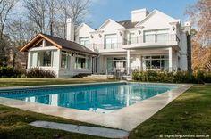 Una hermosa #casa de refrescante estilo francés #decoracion