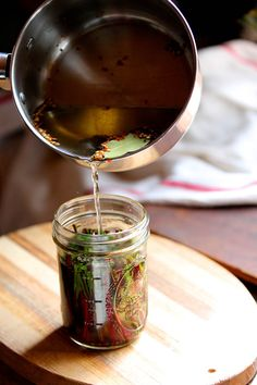 Fermented-Dandelion-Stems Sounds good! a couple good tips in here, too!