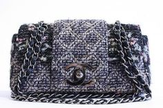 ee8d523c7a65 Amazing Chanel Bag Chanel Kézitáskák, Női Kézitáskák, Chanel Táskák,  Vintage Chanel, Cipők