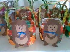 Image result for saquinhos pão por deus Ideas Para Fiestas, Autumn Activities, Christmas Ornaments, Halloween, Holiday Decor, Education, Fall Gift Baskets, Bread Bags, Sint Maarten