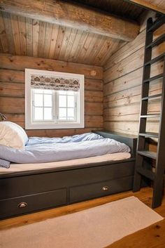 Love the thicker boards on the walls and then skinnier boards on ceiling Cabin Homes, Log Homes, Log Home Interiors, Timber House, Cabins In The Woods, Dream Decor, House Design, Inspiration, Furniture
