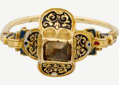 Renaissance Ring with Quatrefoil Bezel