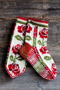 Wool socks knitted in Finland. Why am I so fascinated with color work? Wool socks knitted in Finland. Why am I so fascinated with color work? Crochet Socks, Knit Mittens, Knitting Socks, Mitten Gloves, Hand Knitting, Knitting Patterns, Knit Crochet, Crochet Patterns, Patterned Socks