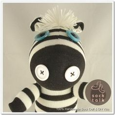 I really want to learn how to make a sock monkey one day ... and if that doesn't work out for me... this site is AMAZING!
