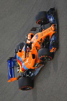 Alonso se Despide de la Fórmula 1 Formula 1 Car Racing, Sports Car Racing, F1 Racing, Race Cars, Maclaren Cars, Gp F1, Race Around The World, Mclaren F1, Red Bull Racing