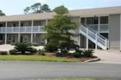 Gulf Shores (AL) Country Hearth Inn United States, North America Country Hearth Inn is a popular choice amongst travelers in Gulf Shores (AL), whether exploring or just passing through. Both business travelers and tourists can enjoy the hotel's facilities and services. Take advantage of the hotel's facilities for disabled guests, business center, pets allowed. Air conditioning, desk, television, kitchenette, microwave can be found in selected guestrooms. The hotel offers vario...