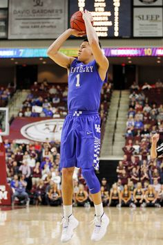 06b8f02a517d Devin Booker 4 of his 7 and finished with 18 points in the Cats   double-overtime win over Texas A M. (photo by