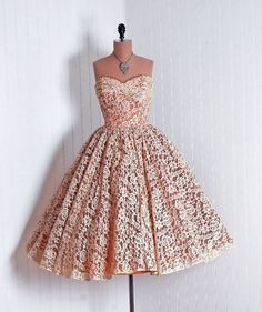 платье с пышной юбкой 50-х годов фото: 17 тыс изображений найдено в…