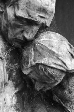 untitled sculpture--no attribution given (Bird and Vine) Cemetery Angels, Cemetery Statues, Cemetery Art, Old Cemeteries, Graveyards, Memento Mori, Monuments, Oeuvre D'art, Vanitas