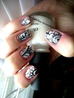 Henna Design Nails