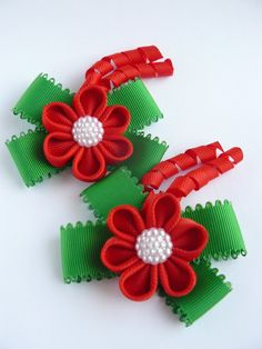 Handmade Kanzashi girls toddler baby hair clips bows pins- buy in UK,shipping worldwide- Christmas colours Gift Present by MARIASFLOWERPOWER on Etsy