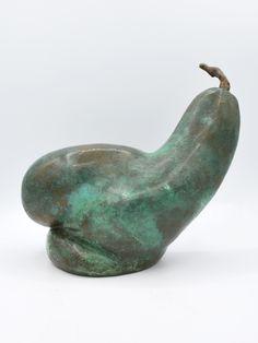 Greg James – Pear 2128. #Bronze #BronzeArt #BronzeSculpture #Pear #PearSculpture
