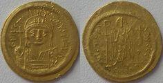 Solidus en or frappé à Constantinople sous Justinien 1°- IVOIRE BARBERINI 3) IDENTIFICATION DE L'EMPEREUR. 3.2 HYPOTHESE DE JUSTINIEN, 11: Le dessin de la statue d'Augustaion peut-être rapprochée d'une autre représentation équestre de Justinien; elle se trouve sur une monnaie de 36 solid d'or (146 g), découverte en 1751 et dont il ne reste plus, après son vol au Cabinet des Médailles en 1831, qu'une copie par galvanoplastie.