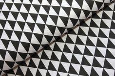 Černé trojúhelníky