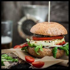 vege burger, halloumi burger, burger