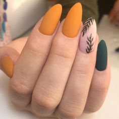 56 Perfect Almond Nail Art Designs for This Winter - How to apply nail polish? Nail polish on your own friend's nails Orange Nail Polish, Orange Nails, Acrylic Nails Orange, Polish Nails, Fall Acrylic Nails, Green Nails, Acrylic Art, Pointy Acrylic Nails, Magenta Nails