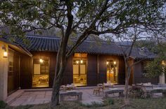 Several years ago I was lucky enough to visitHangzhou, one of the most beautiful cities in China, home of the legendary West Lake, and a place I've been wanting to revisit ever since. So you can understand how excited I was to discover Amanfayun, a new Áman resort on the outskirts of the ancient
