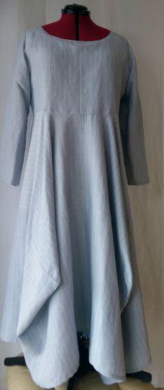 Vogue V1312 Lynn Mizono dress in grey pinstriped linen