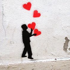 Some people do it - juggling with hearts.... Street Art - Urban Art