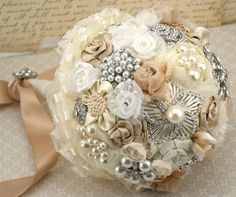 Bouquet de broches