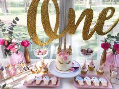 first-unicorn-birthday-party-decoration-food-ideas
