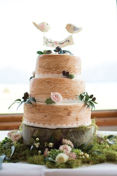 Fiordland Lodge Wedding by Rachael Kelly bird topped wood look Scandinavian style cake Pretty Cakes, Cute Cakes, Beautiful Cakes, Amazing Cakes, Woodland Cake, Woodland Wedding, Scandinavian Style, Wedding Cake Designs, Wedding Cakes