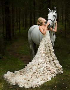 I want a pic with my horse(s) when I get married!!!