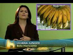 2010 http://www.magraemergente.com - Algumas frutas dão a sensação de saciedade e podem segurar a fome por duas horas. É preciso ter cuidado com mamão, melancia, abacaxi, uva e banana porque essas frutas têm poucas fibras solúveis. = Saiba quais frutas ajudam no emagrecimento saudável